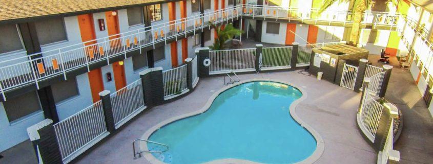\Commercial Real Estate Broker for Student Housing
